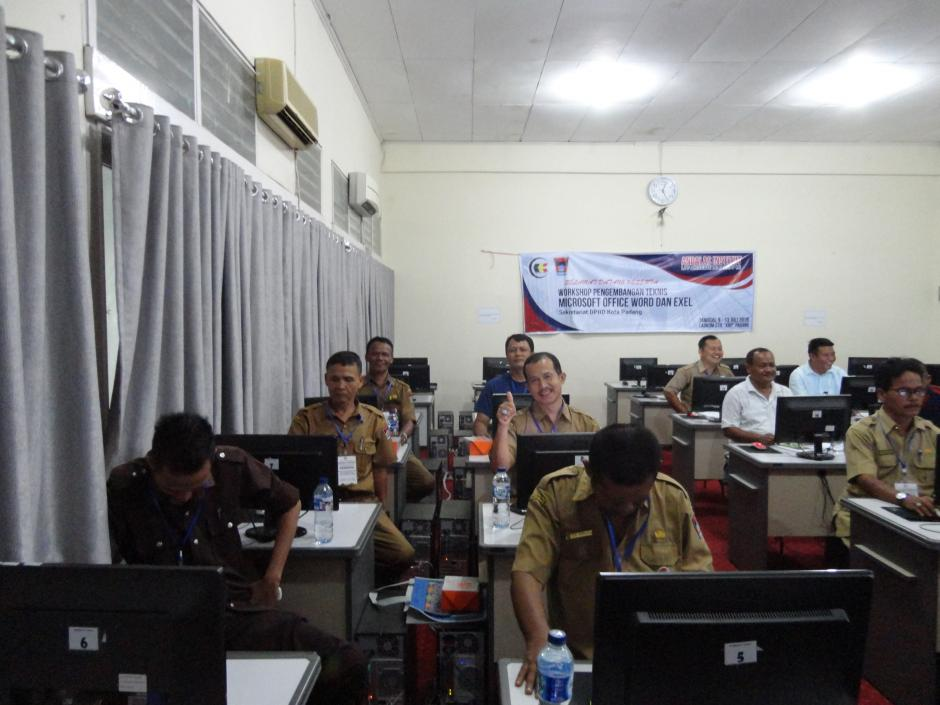 Workshop Pengembangan Teknis Microsoft Office Word dan Excel