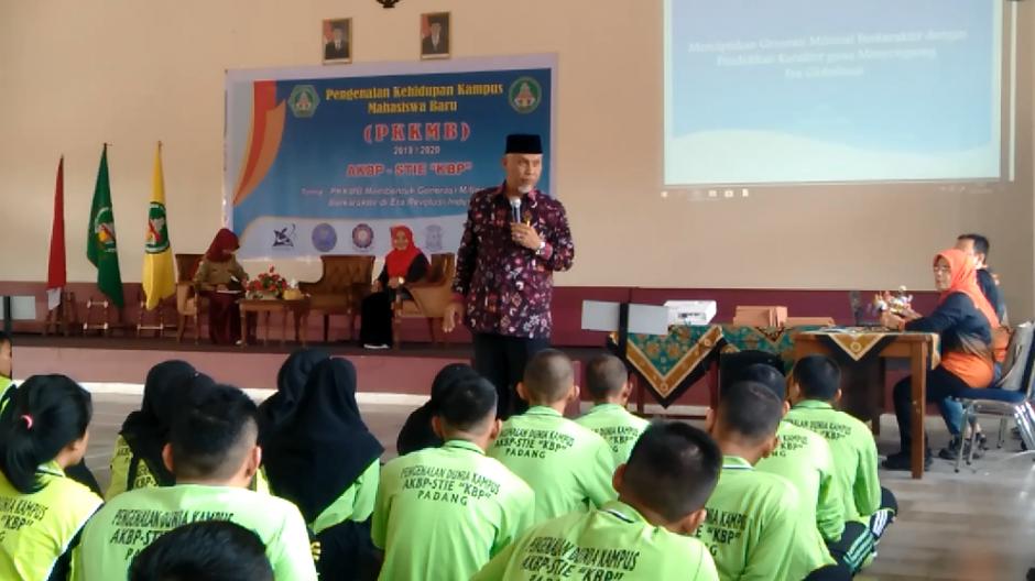 Wali Kota Padang H. Mahyeldi Ansharullah beri Kuliah Umum pada Mahasiswa Baru AKBP-STIE KBP